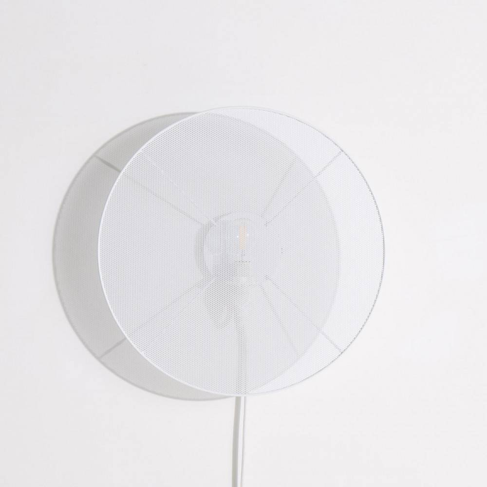 modern-wall-lamp-with-cable-large-grillo-white-elise-fouin