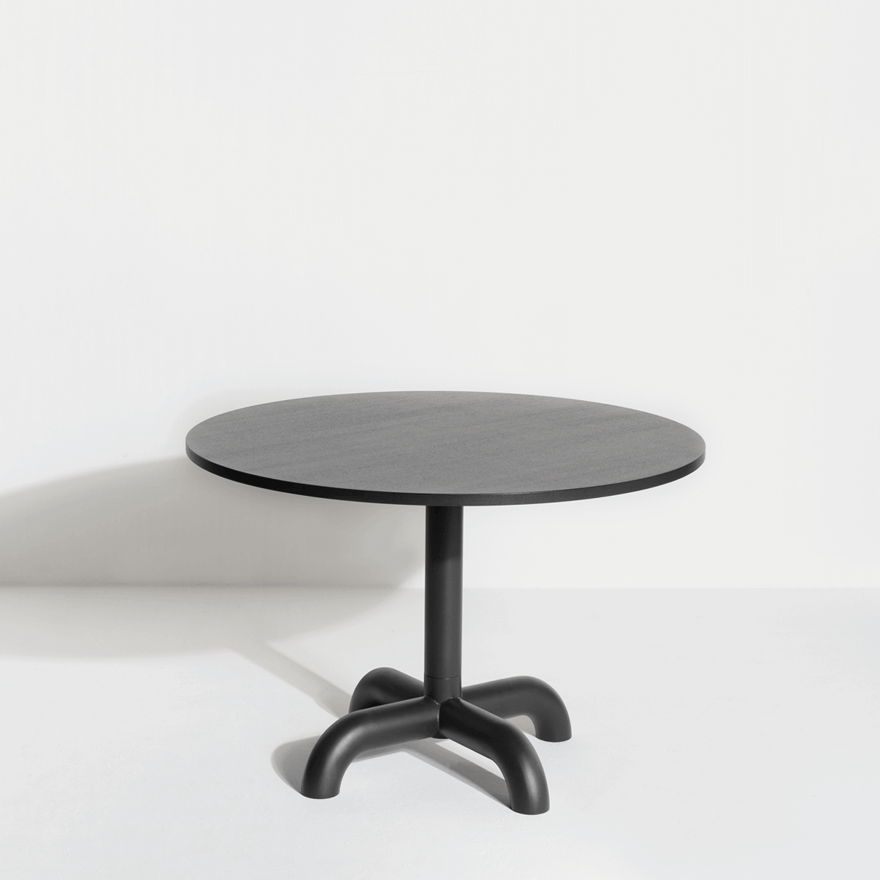 Wooden round table Unify - Petite Friture