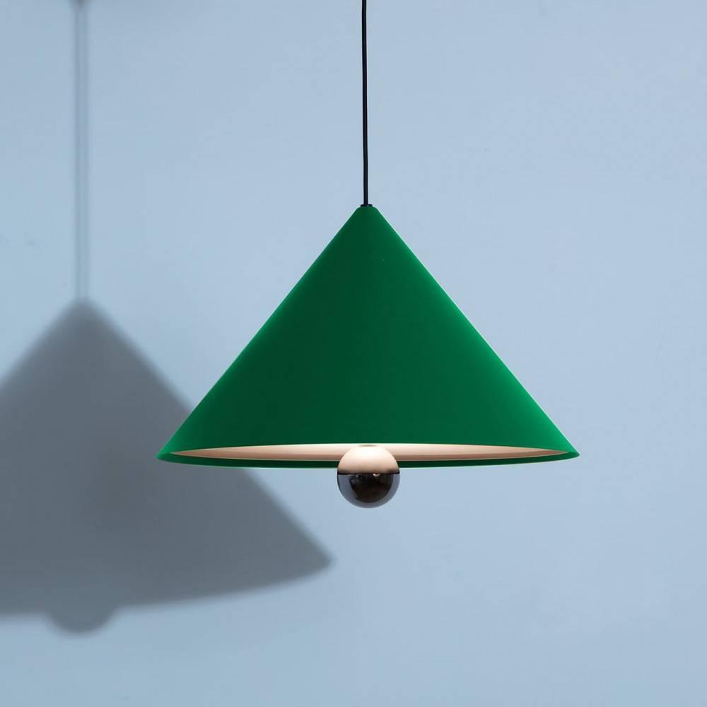 Suspension-grande-Cherry-vert-LED-Petite-Friture-allumée