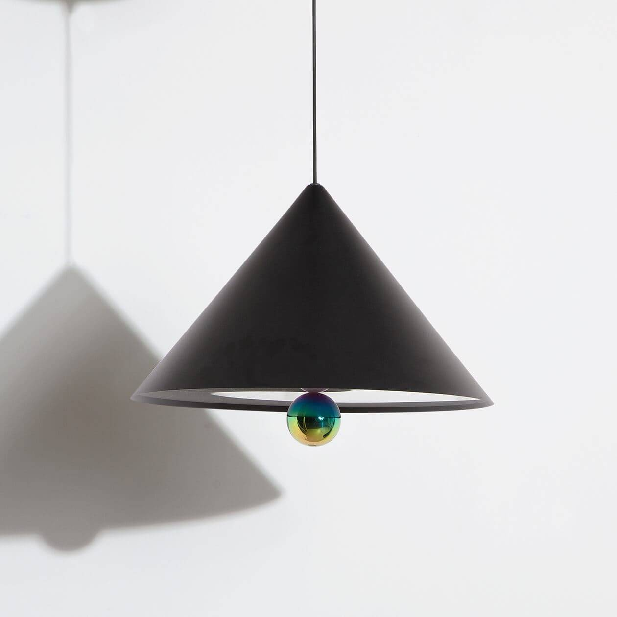 Suspension-grande-Cherry-noir-LED-Petite-Friture