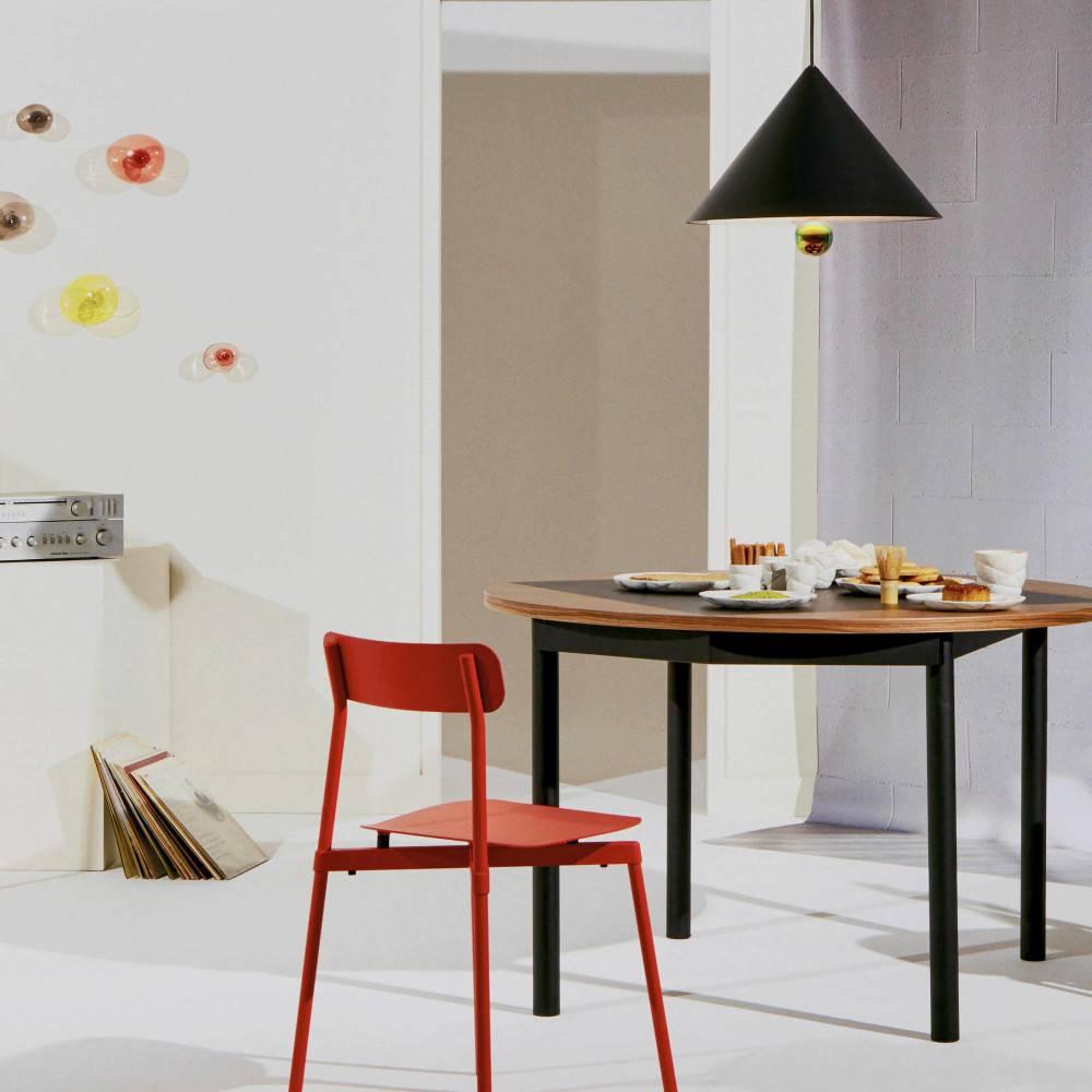 Lifestyle-multi-produits-suspension-Cherry-LED-grand-noir-Petite-Friture