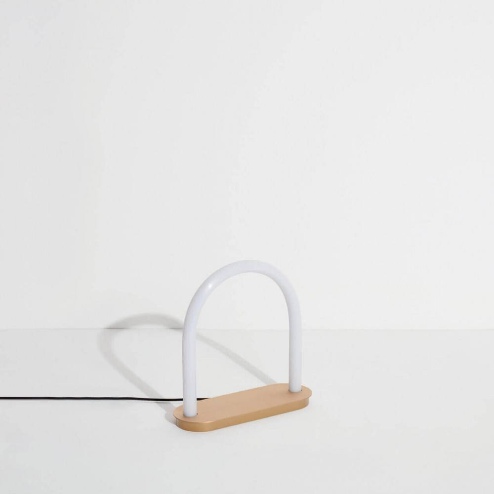 Petite lampe à poser UNSEEN vue sur le côté - Studiopepe